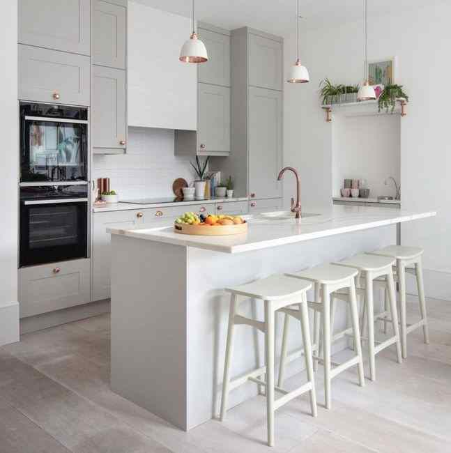 Дизайн кухни серого цвета, фото в интерьере