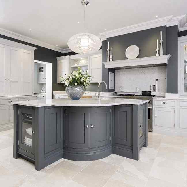 Сочетание с серым цветом в интерьере кухни, фото с разными оттенками серого