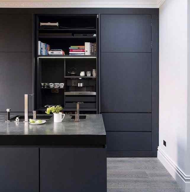 Кухня в тёмно сером цвете, фото в интерьере