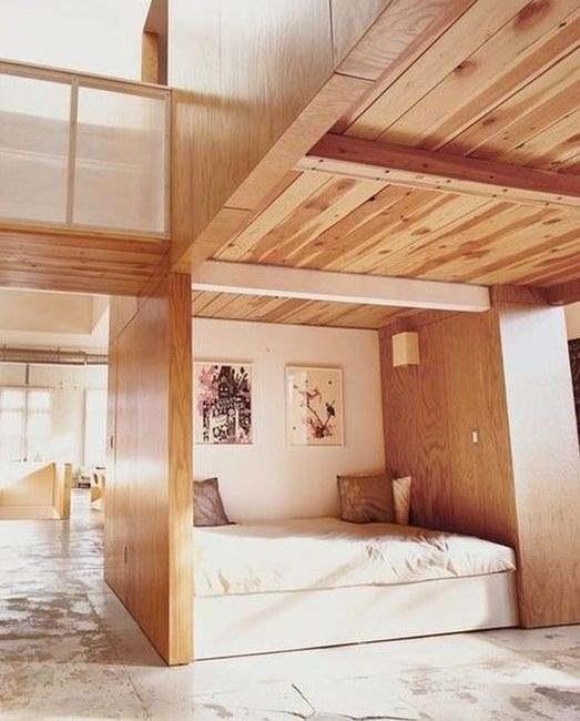 Фото загородного дома со встроенной кроватью