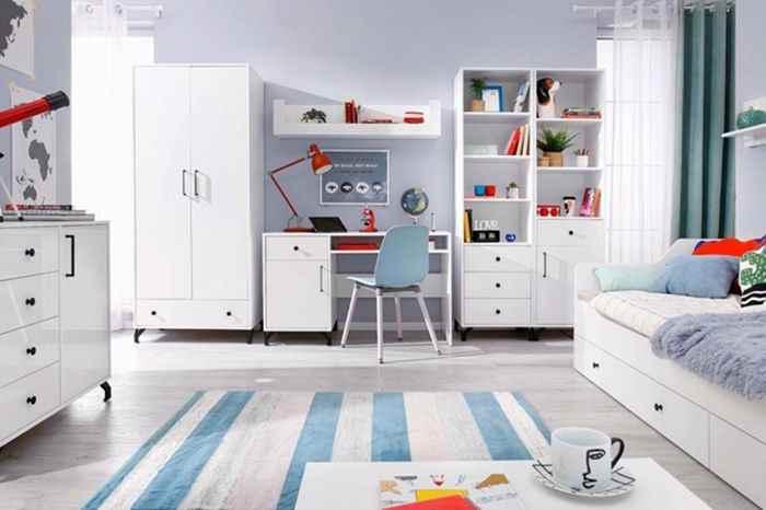 Интерьер детской комнаты в белых тонах, фото